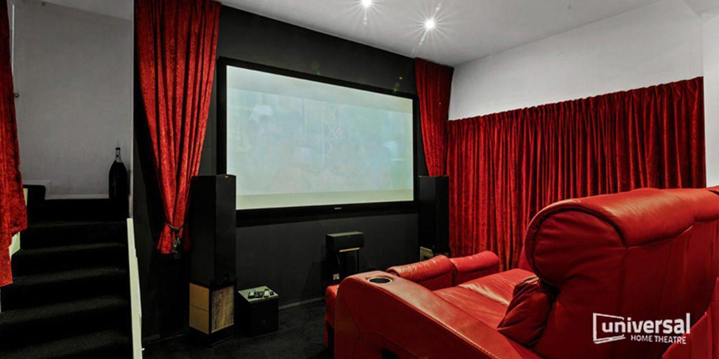 https://www.universalhometheatre.com.au/wp-content/uploads/2019/06/showroom.jpg